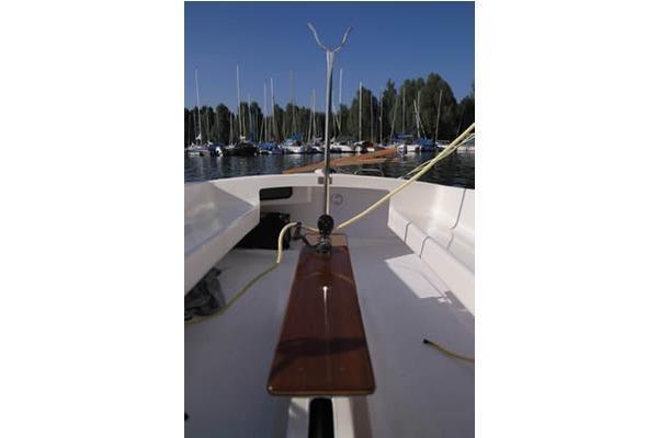 Dragon - Stahlschwert Segelboot 8 Personen